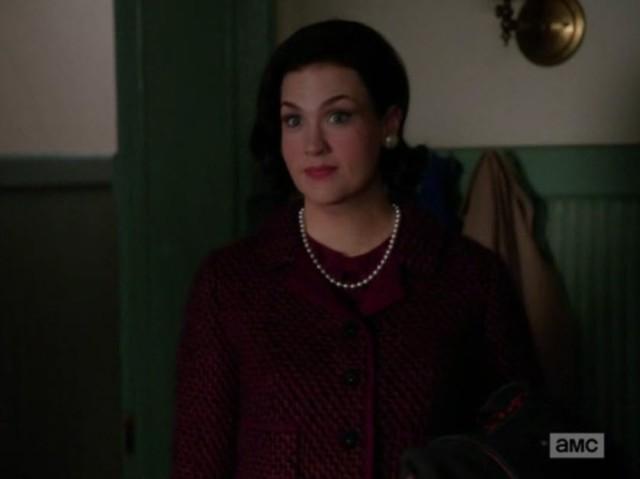 בטי בתור אליזבת טיילור.